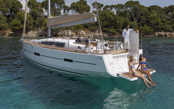 Discover La Marina surroundings on this 460 Grand Large Liberty Dufour boat