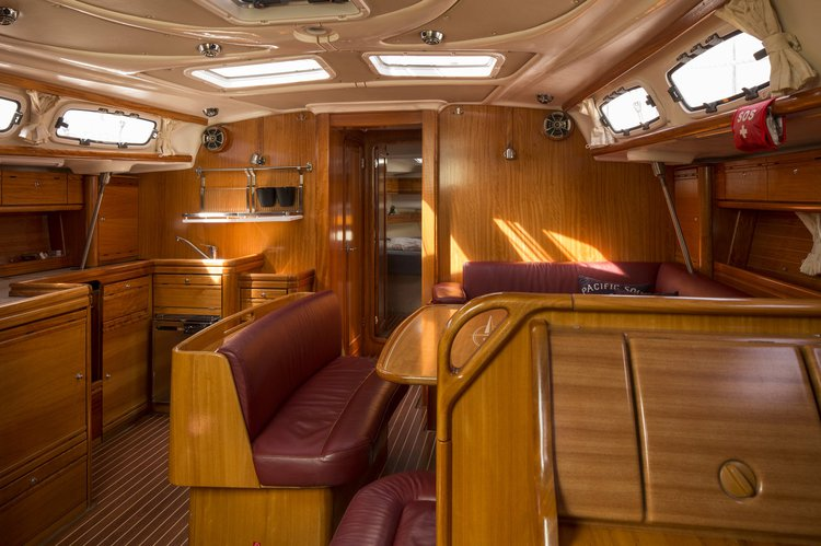 Discover Stockholm County surroundings on this Dufour 375 GL Dufour Yachts boat