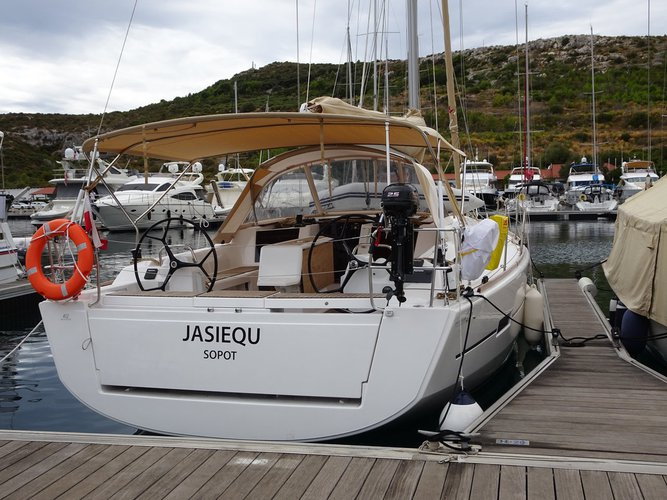 Unique experience on this beautiful Dufour Yachts Dufour 412 GL