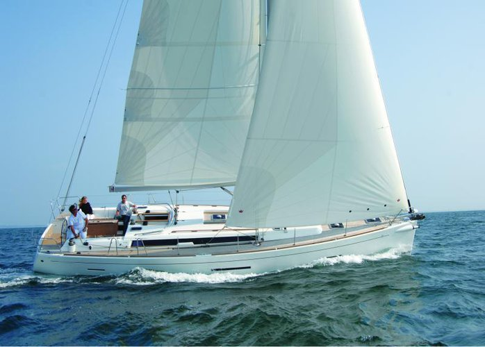 This 44.0' Dufour Yachts cand take up to 8 passengers around Aegean