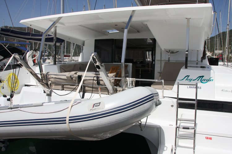 Discover Aegean surroundings on this Fountaine Pajot Lucia 40 Fountaine Pajot boat