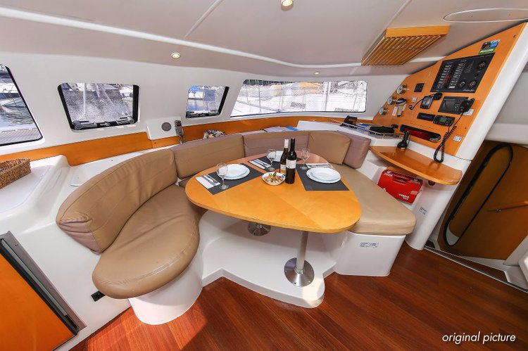Discover Istra surroundings on this Lavezzi 40 Fountaine Pajot boat
