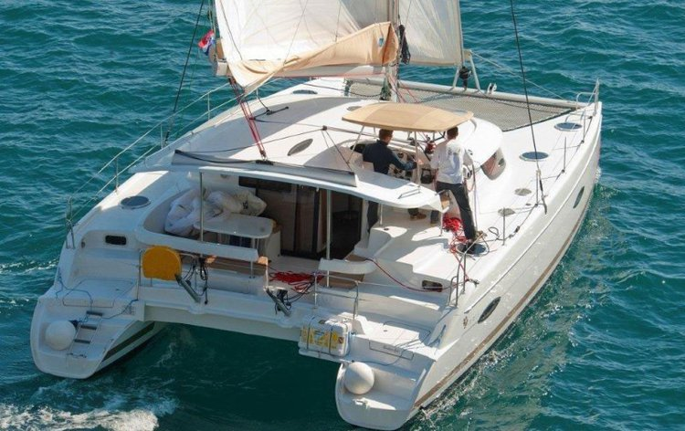 Boat rental in La Marina,