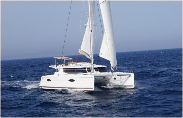 Unique experience on this beautiful Fountaine Pajot Helia 44