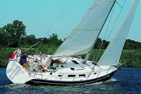 Experience Lazio on board this amazing Hanse Yachts Hanse 341
