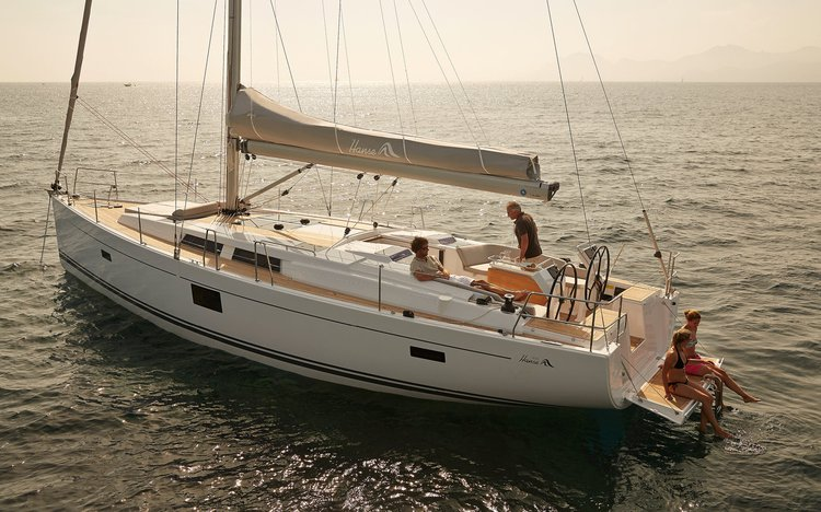 This Hanse Yachts Hanse 455 is the perfect choice