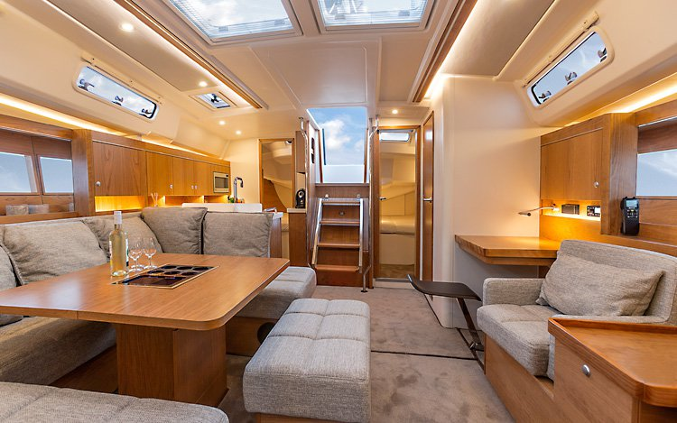Discover Zadar region surroundings on this Hanse 455 Hanse Yachts boat