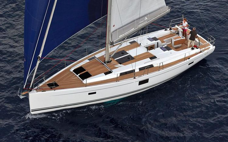 This 45.0' Hanse Yachts cand take up to 10 passengers around Zadar region