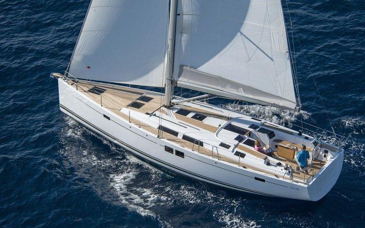 This 50.0' Hanse Yachts cand take up to 12 passengers around Šibenik region