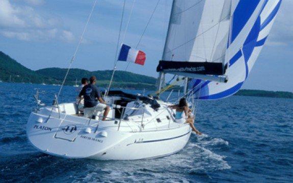 Sloop boat rental in La Marina, Guadeloupe