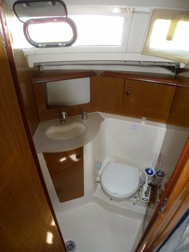 Boat for rent Jeanneau 31.0 feet in Rodney Bay Marina, Netherlands Antilles