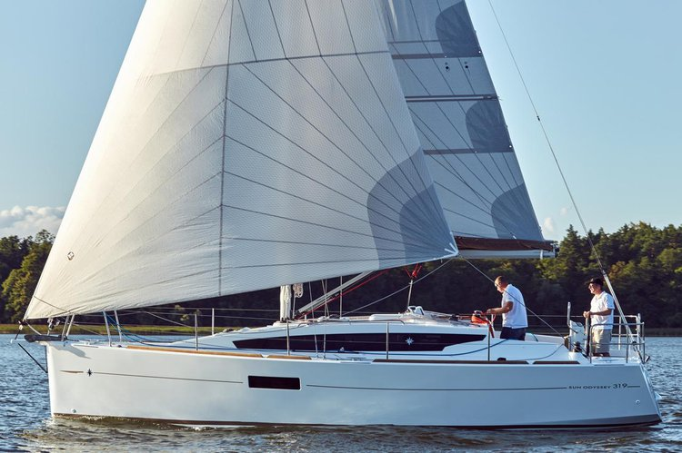 Experience Istra on board this amazing Jeanneau Sun Odyssey 319
