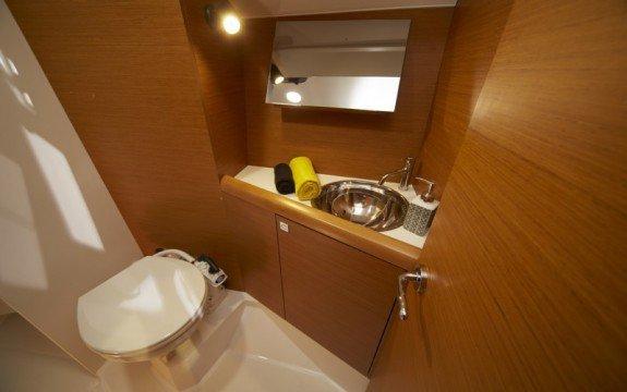 Boat for rent Jeanneau 33.11 feet in Palma, Illes Balears,