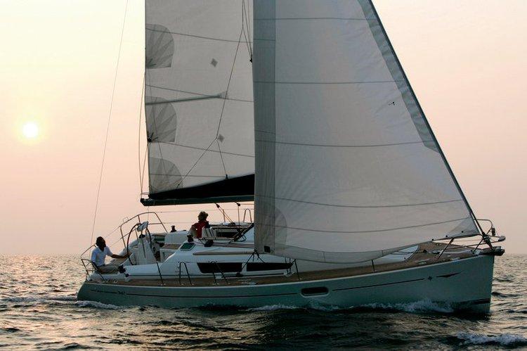 Boat for rent Jeanneau 35.0 feet in Lefkas, Marina Lefkas, Greece