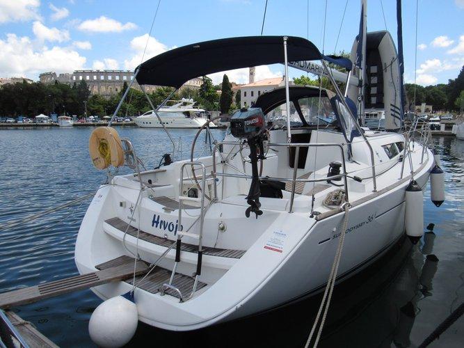 Jeanneau's 35.0 feet in Istra