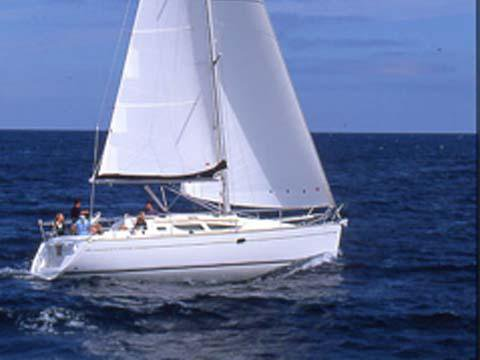 Discover Istra surroundings on this Sun Odyssey 35 Jeanneau boat