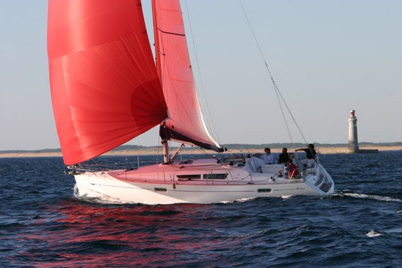 Discover Lazio surroundings on this Sun Odyssey 39i Jeanneau boat