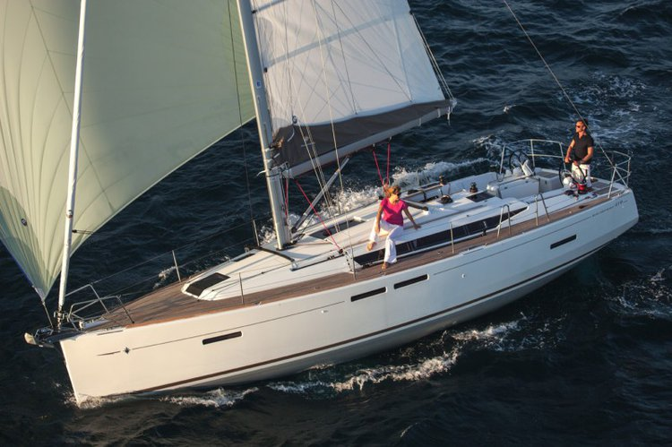 Sail the waters of Côte d'Azur on this comfortable Jeanneau