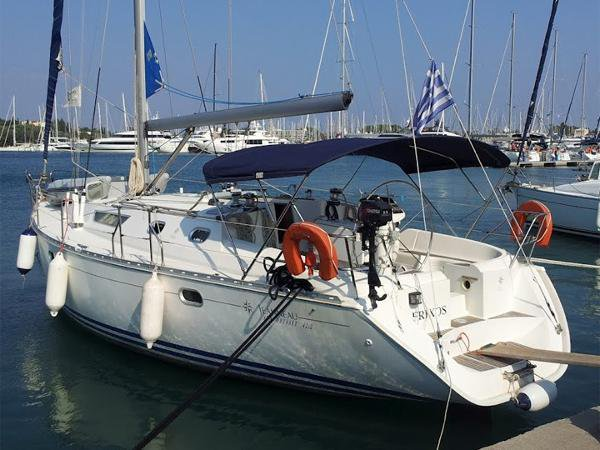 Take this Jeanneau Sun Odyssey 42.2 for a spin !