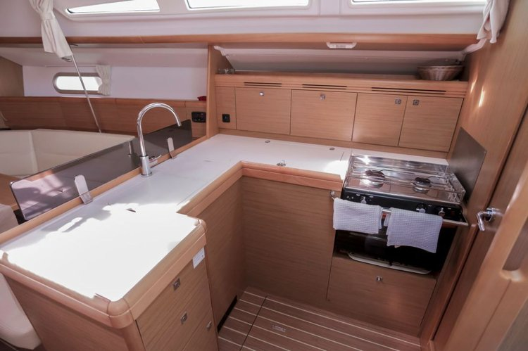 Discover Split region surroundings on this Sun Odyssey 42i Jeanneau boat