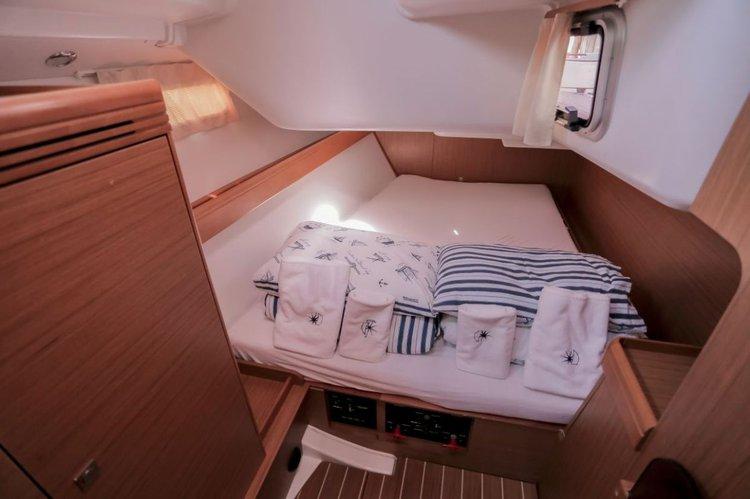 Boat for rent Jeanneau 42.0 feet in Yachtclub Seget (Marina Baotić), Seget Donji,