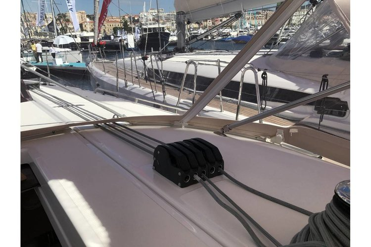 Jeanneau's 43.0 feet in Saronic Gulf