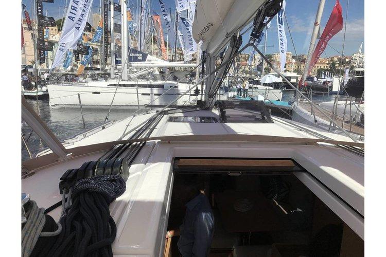 Boat for rent Jeanneau 43.0 feet in Athens, Marina Alimos (Kalamaki),