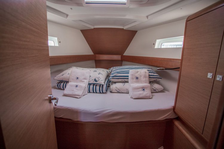 Boat for rent Jeanneau 43.0 feet in Yachtclub Seget (Marina Baotić), Seget Donji, Croatia