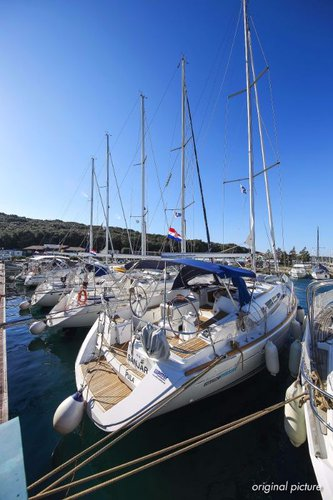 Discover Istra surroundings on this Sun Odyssey 45 Jeanneau boat