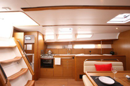 Discover Saronic Gulf surroundings on this Sun Odyssey 44i Jeanneau boat