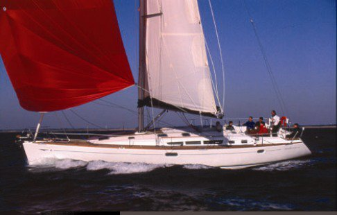 This 49.0' Jeanneau cand take up to 10 passengers around Sicily