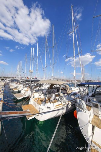 Discover Zadar region surroundings on this Sun Odyssey 509 Jeanneau boat