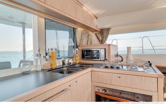 Boat for rent Lagoon 39.0 feet in Saint-Mandrier-Sur-Mer, France