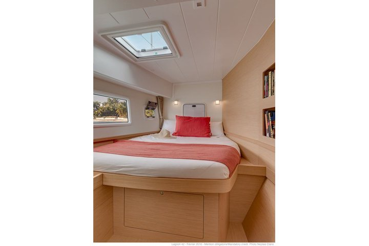 Lagoon boat for rent in Palma, Illes Balears
