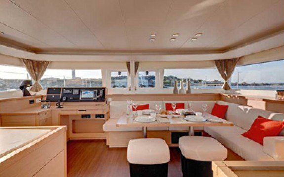 Discover  surroundings on this Custom Lagoon boat