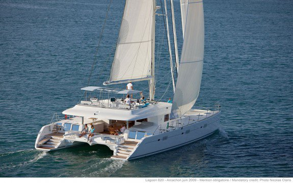 This 62.0' Lagoon cand take up to 8 passengers around Saint-Mandrier-Sur-Mer,