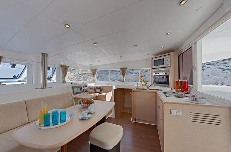 Catamaran boat rental in Côte d'Azur, France
