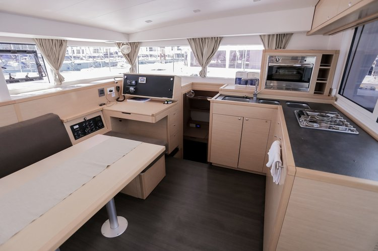 Up to 8 persons can enjoy a ride on this Lagoon-Beneteau boat