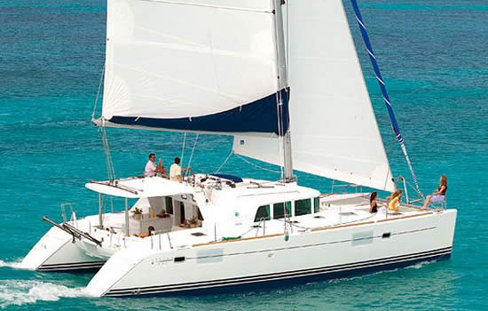 Enjoy British Virgin Islands in style on our Lagoon-Bénéteau