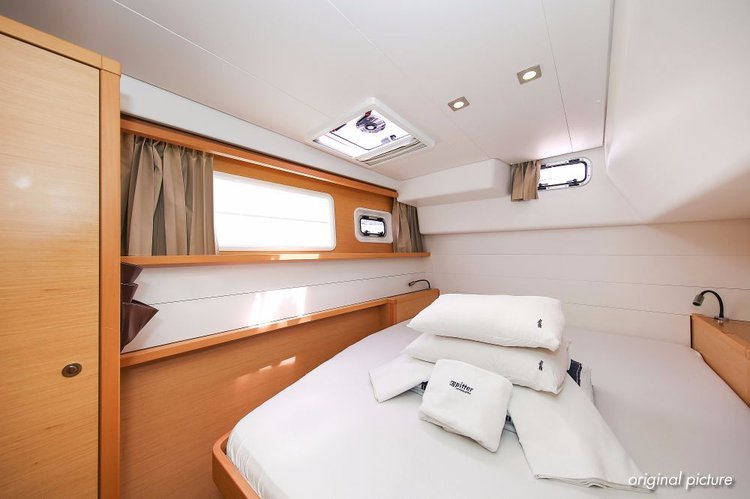 Discover Zadar region surroundings on this Lagoon 450 Lagoon-Bénéteau boat