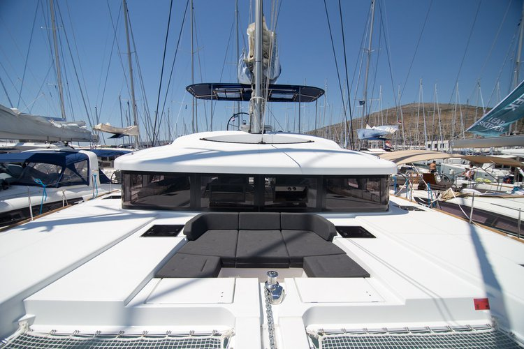 This 51.0' Lagoon-Bénéteau cand take up to 12 passengers around Split region