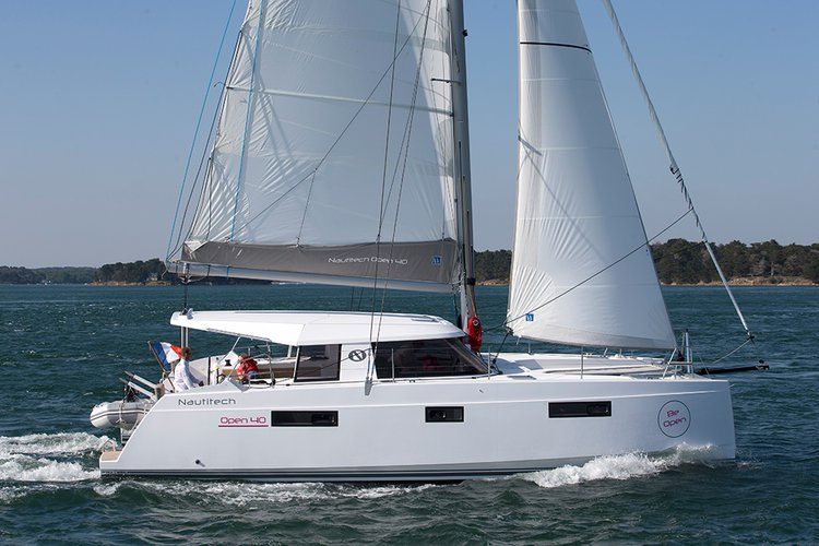 Sail the waters of British Virgin Islands on this comfortable N