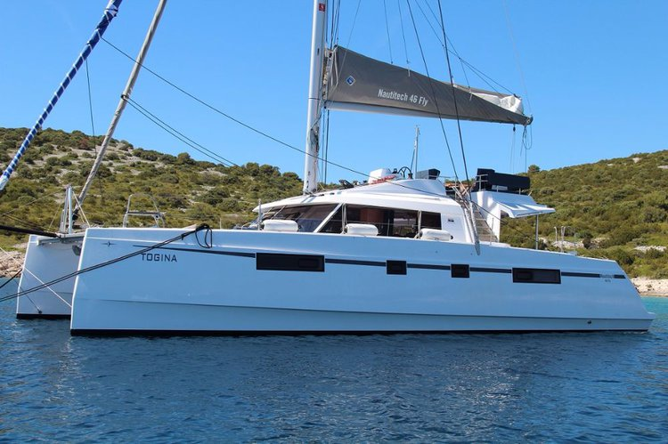 Discover St. Lucia surroundings on this Nautitech 46 Fly Nautitech Rochefort boat