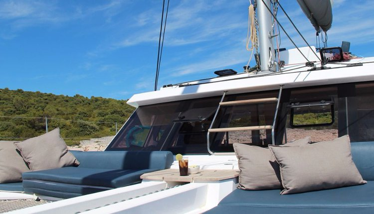This 45.0' Nautitech Rochefort cand take up to 8 passengers around St. Lucia