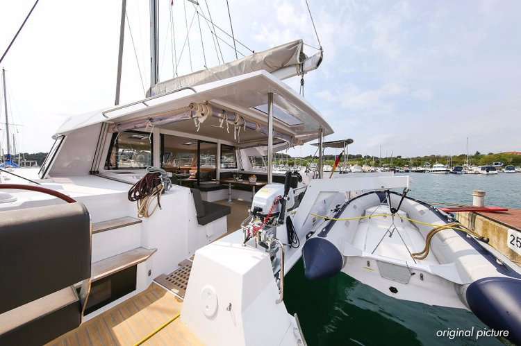 Catamaran boat for rent in Zadar region