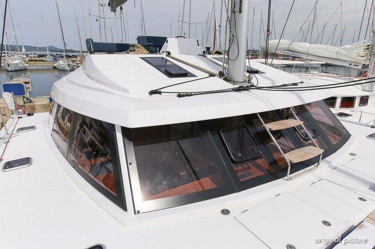 This 45.0' Nautitech Rochefort cand take up to 10 passengers around Zadar region