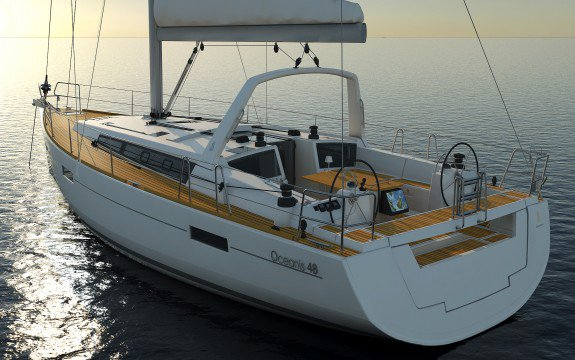 This 47.9' Oceanis cand take up to 10 passengers around Le Marin