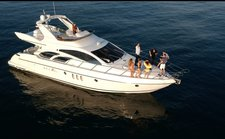 Experience pure luxury and comfort onboard this luxurious and comfortable yacht