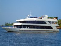 Wine & dine onboard 105' luxurious motor yacht