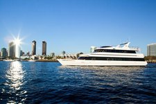 Have fun in San Diego onboard this exquisite yacht
